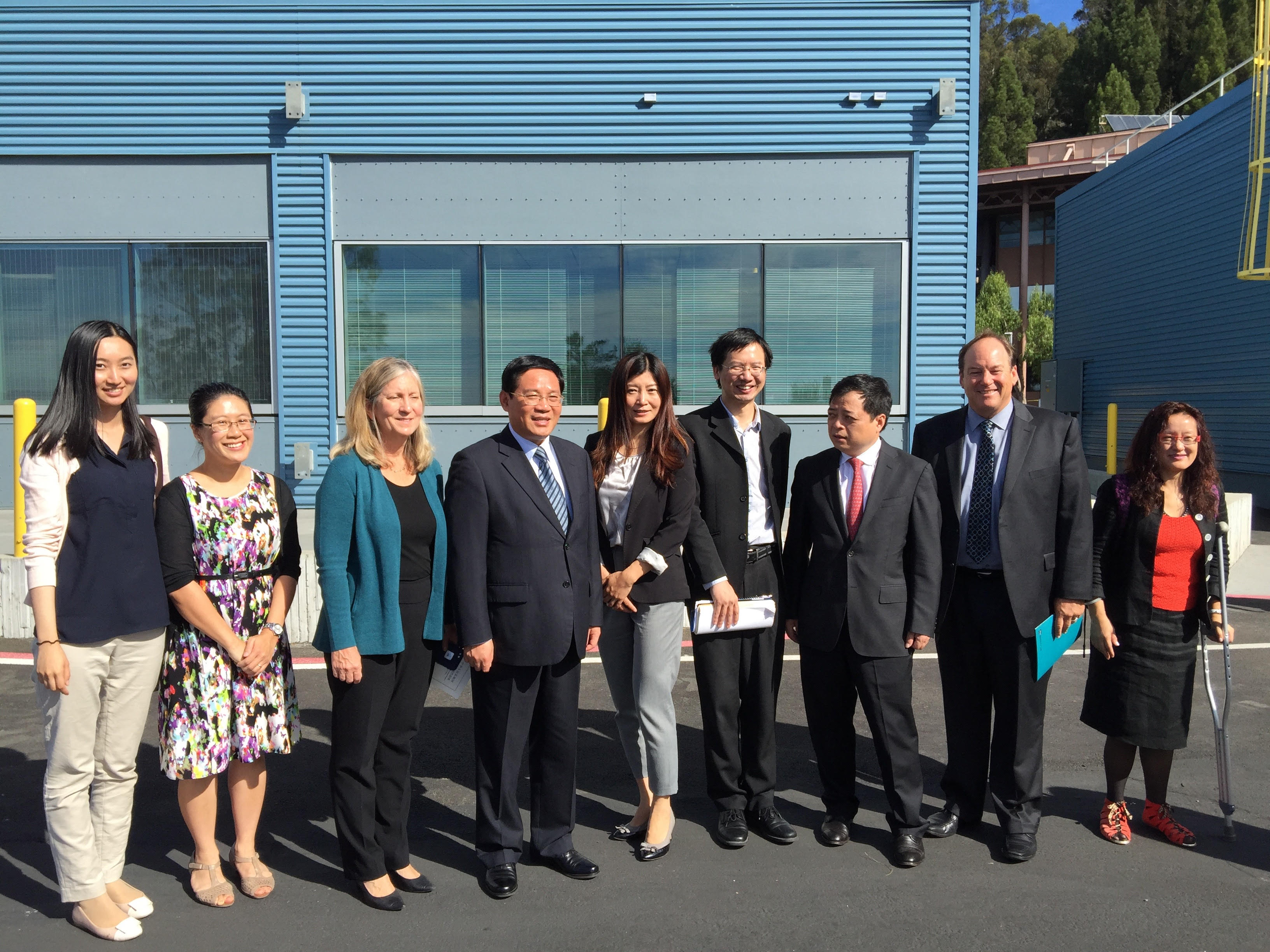 Zhejiang Governor of China  in front of the FLEXLAB®