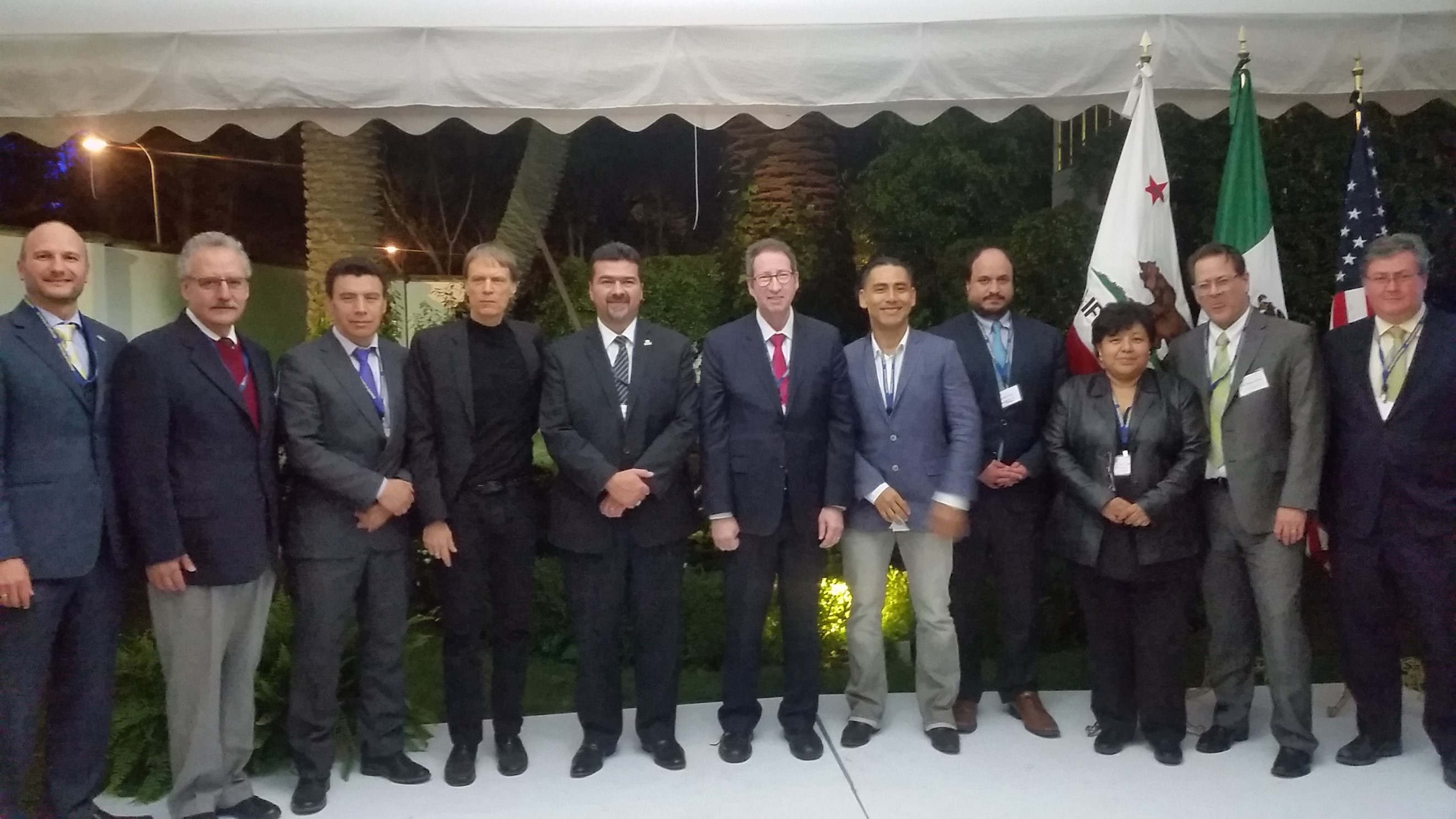 "Image of Members of the teams that collaborated in developing five winning proposals in response to the RFP ""Collaboration Projects in Energy Efficiency: Cooperation with the University of California"" joined the award ceremony held at Casa de California in Mexico City on November 16th, 2017"